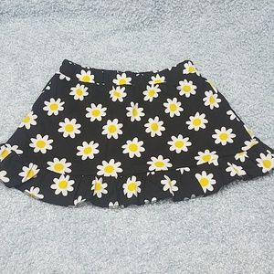 Other - Skirts with daisies